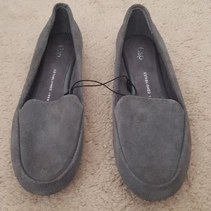 GAP cow suede loafers size 6 New